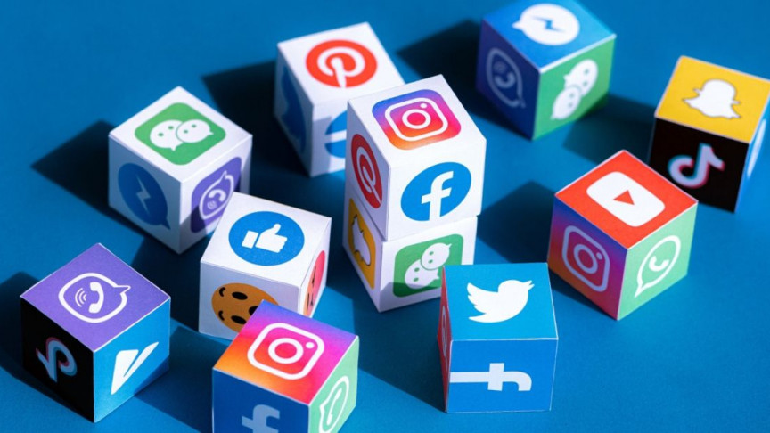 How to make money on social media in 2021 (5 best way)